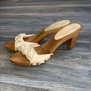 Like New- FRYE wooden heel